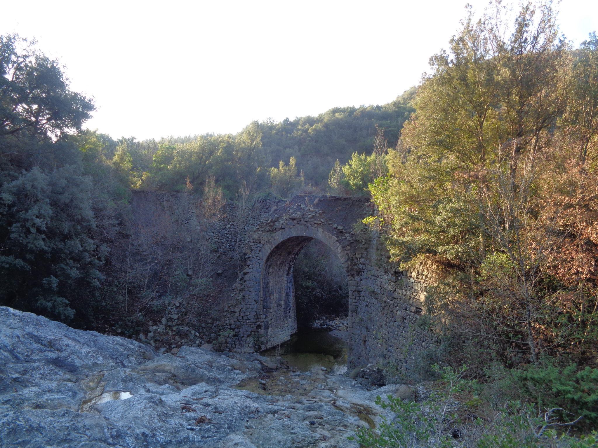 La vecchia ferrovia intorno al Ritasso